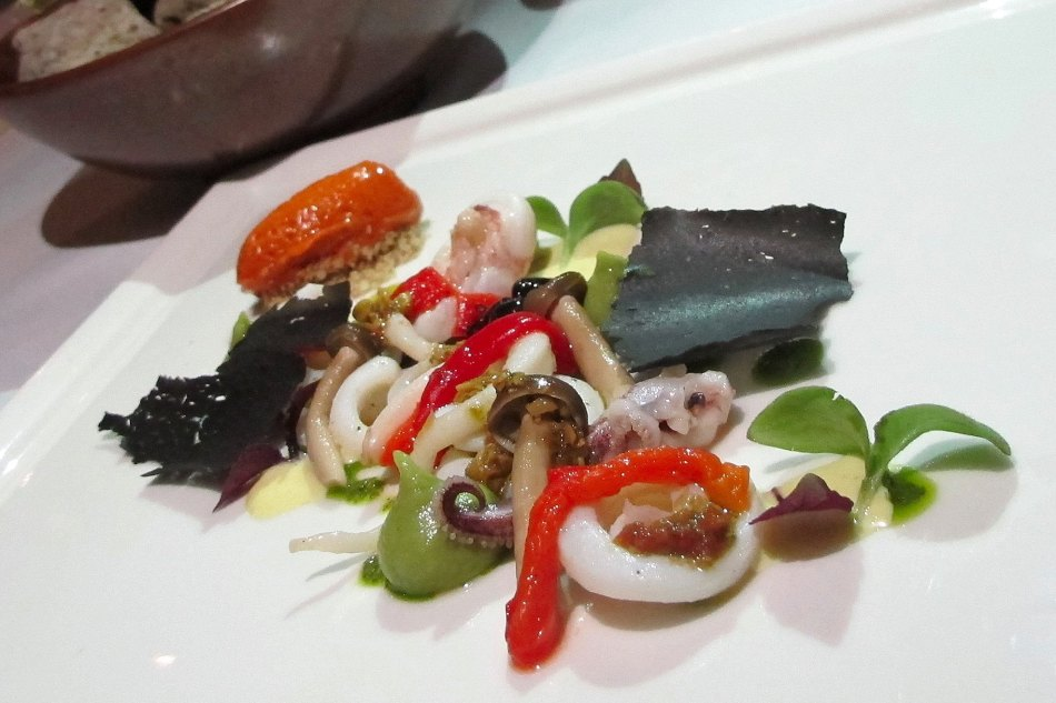 Squid, Paprika, Tierenteyn Pickles