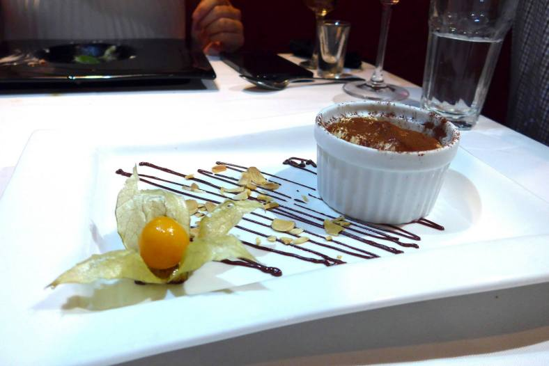 We also got to try an all time favourite Italian dessert - tiramisu. Creamy and flavourul and Regina polished up most of it.