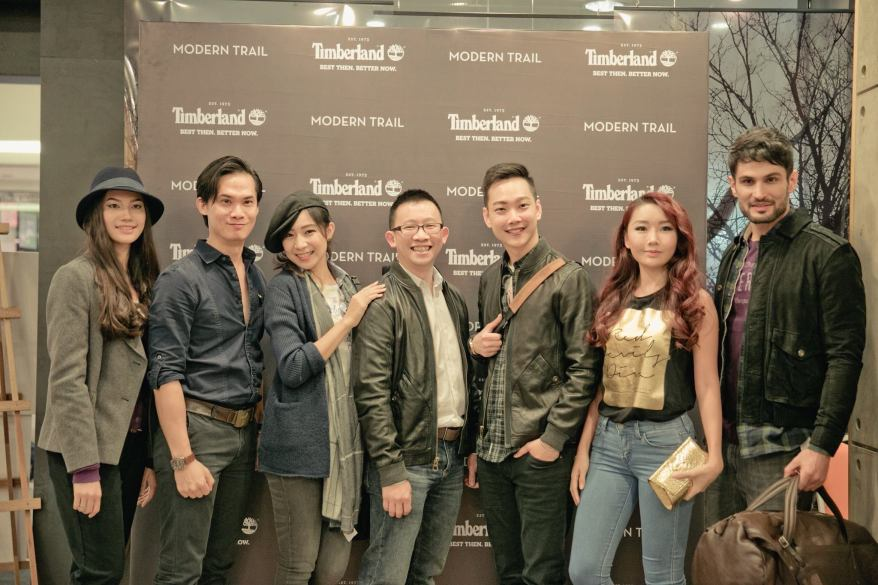 Another group pic this time with friends of Timberland Michelle Lee and Yuri Wong