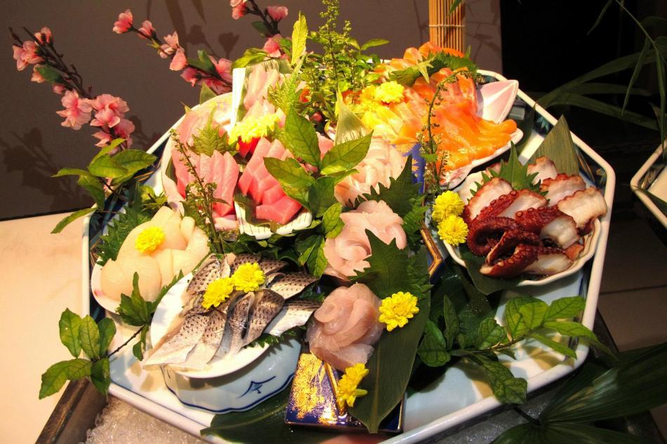 The pretty sashimi basket