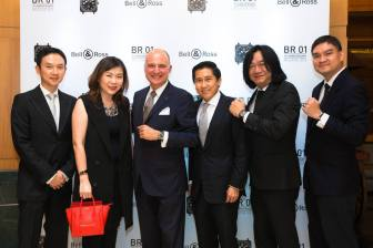 Mr James Yap, Ms Yap Fui Leng (Assistant General Manager – Fashion, FJ Benjamin), Mr Carlos Rosillo (President & CEO of Bell & Ross), Mr Yeoh Onn Lai (CEO of FJ Benjamin), Mr Tong Chee Wei (General Manager, F J Benjamin Luxury Timepieces), Mr Hooi Soon Wai (COO, F J Benjamin)