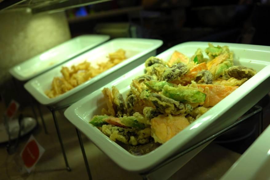 Various types of tempura