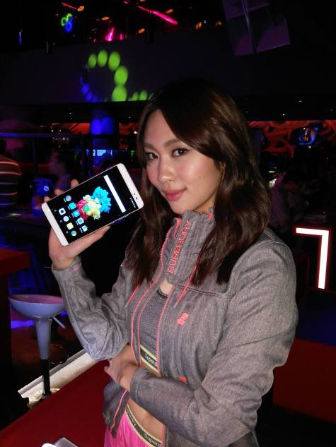 At the launch of the Lenovo Phab Plus in Zouk Club KL. As it was pretty dark where I shot this I had to use the smartphone's flash and it turned out pretty alright.