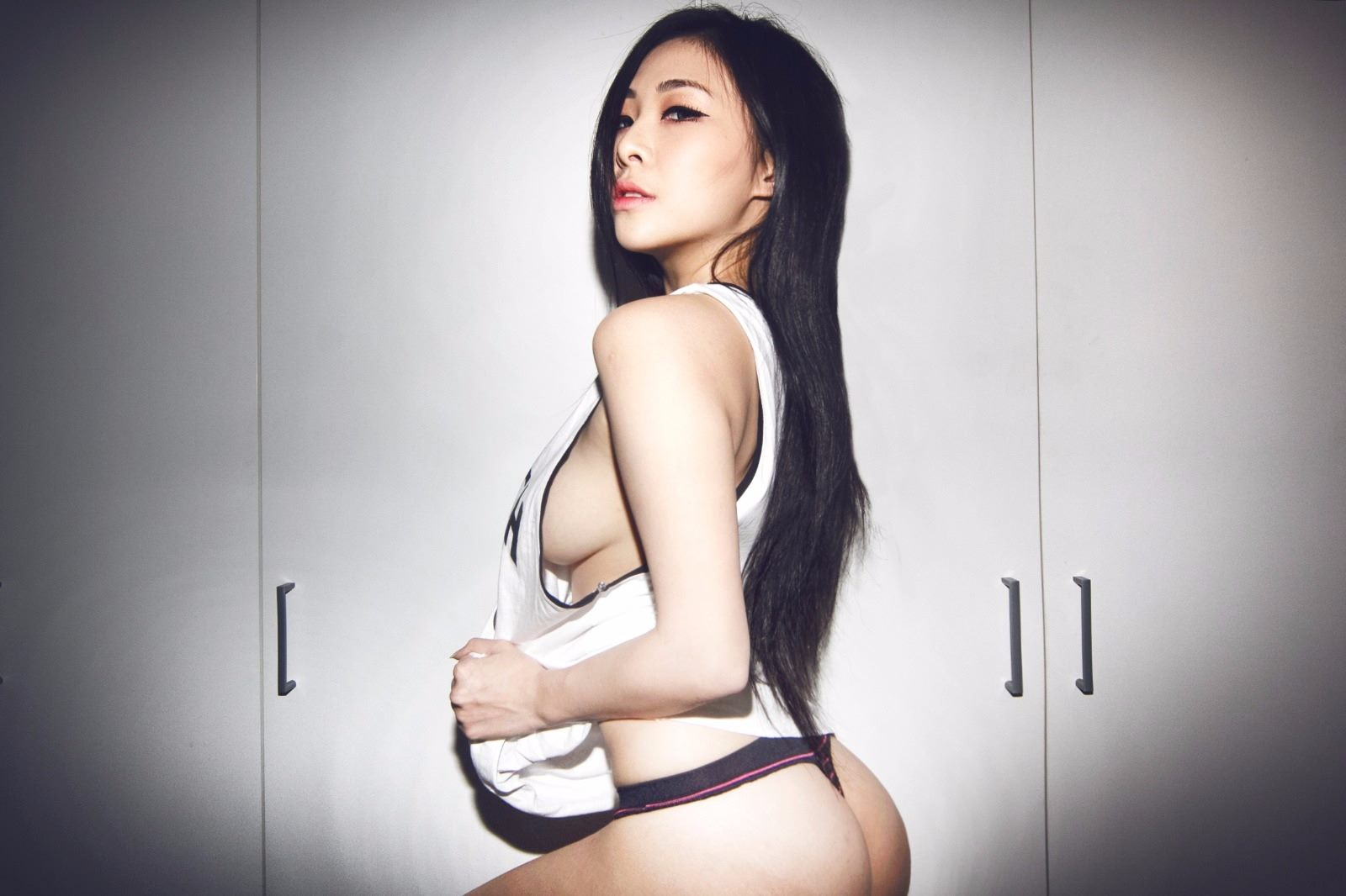 alexis grace naked