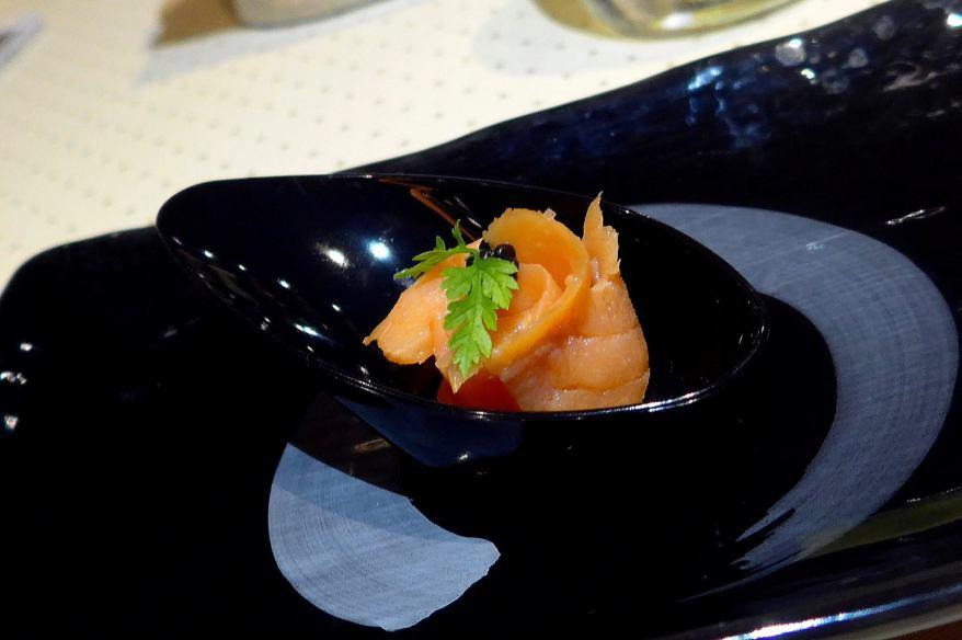 Amuse Bouche - smoked salmon with caviar