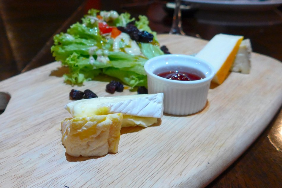 Cheeses: Seasonal selection of french cheeses (Fourme d'Ambert, brie, Rouy and Cantal) - RM44.00