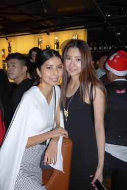 Models Eleen Yong and Kim Low
