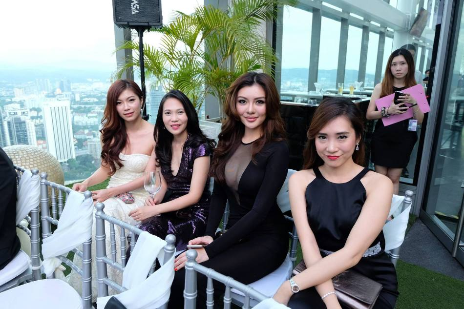 Some of the gorgeous gusts included Miss Universe Malaysia 2013 Carey Ng. Amber Chia and Dato Jimmy Choo were also in attendance along with a lot of other high-profile people.