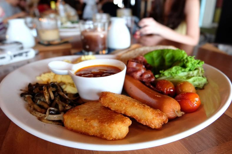 Big Bang Breakfast - RM25.00 - bbq sausage + pork bacon + hashbrown + saute mushroom + porky baked beans + salad + scrambled egg / sunny side up