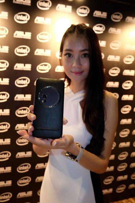 Asus ZenFone Zoom (1)