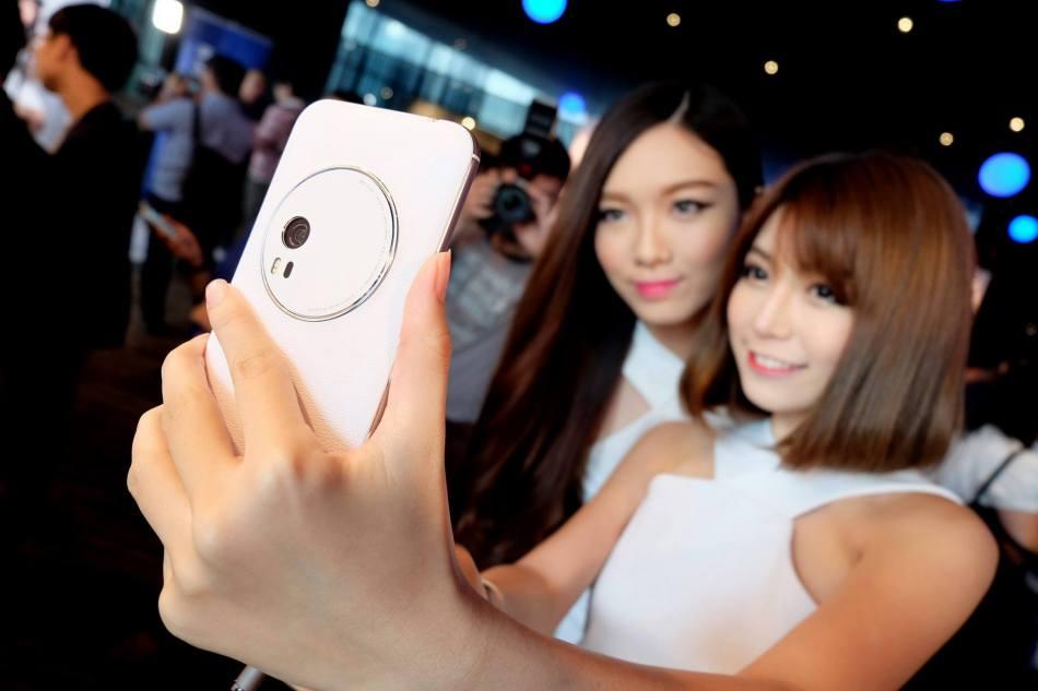 Asus ZenFone Zoom (21)