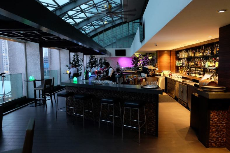 Go early and have some pre-dinner drinks at the lounge/ bar section of Cedar on 15
