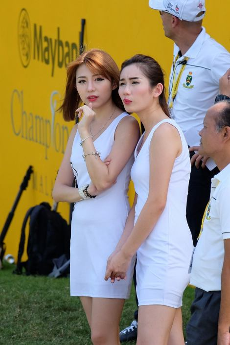 Sniped the pretty Miko and Wan Li who were on the course from the hospitality suite which was at least 100' away
