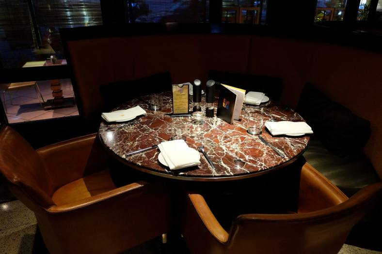 Book in advance and ask for a nice sofa table for Valentine's Day dinner