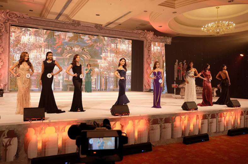 The top 8 finalists - Alicia Tan, Cindy Ng, Dhivya Dhyana, Jennifer Ling, Kiran Jassal, Lina Soong, Nisha Sema and Swarna Naidu