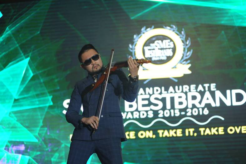 Violinist Dennis Lau gave an electrifying performance
