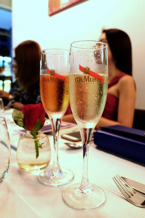 G.H Mumm champagnes to go with the first few courses - Mumm Cordon Rouge for the guys and Mumm Rose for the girls