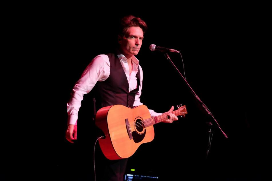 At the Richard Marx concert at KL Convention Centre recently. As I didn't bring a tripod, I had to steady myself, hold my breath and click!