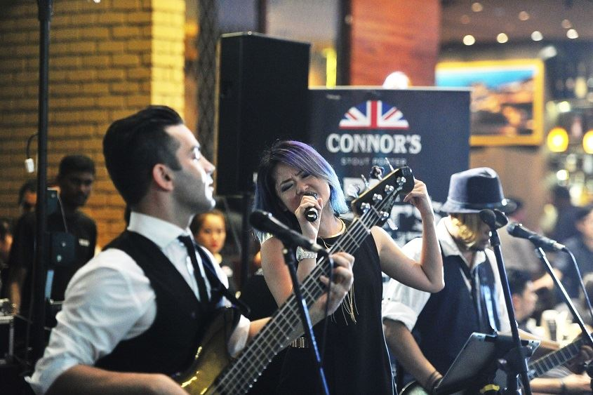 Kelly Siew with her band Mad Sally rocking the house!