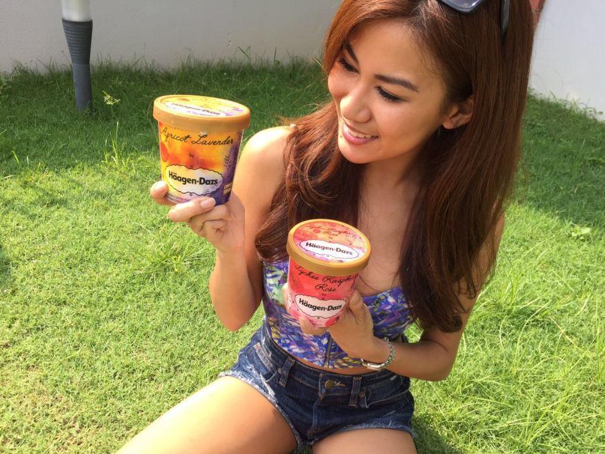 Lee Yvonne enjoying her Haagen Dazs ice cream on a hot day