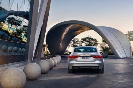 Jaguar XF Prestige (10)