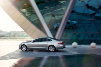 Jaguar XF Prestige (14)