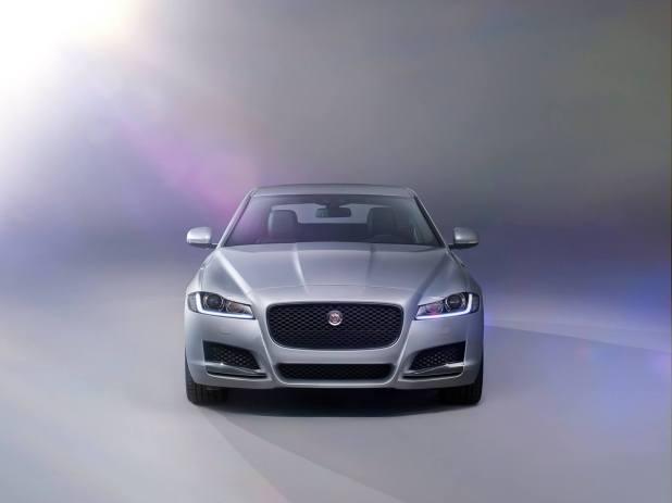 Jaguar XF Prestige (15)
