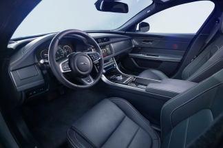 Jaguar XF Prestige (2)