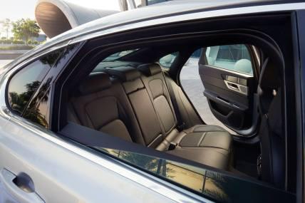 Jaguar XF Prestige (4)