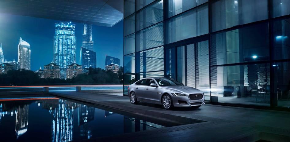 Jaguar XF Prestige (5)