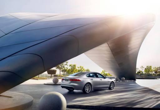 Jaguar XF Prestige (8)