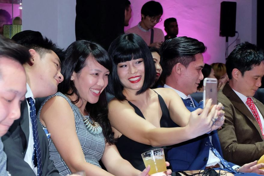 Xandria Ooi taking a selfie with her friends