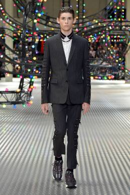 Dior Homme Summer 2017 Collection (13)