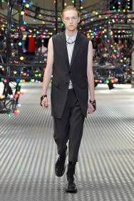 Dior Homme Summer 2017 Collection (14)