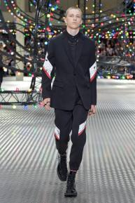 Dior Homme Summer 2017 Collection (28)