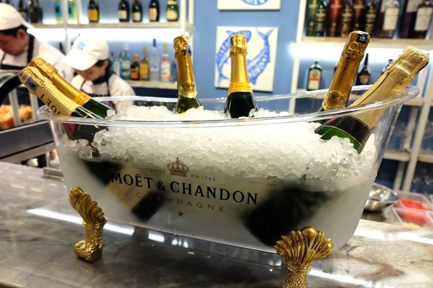 The champagnes being chilled for us