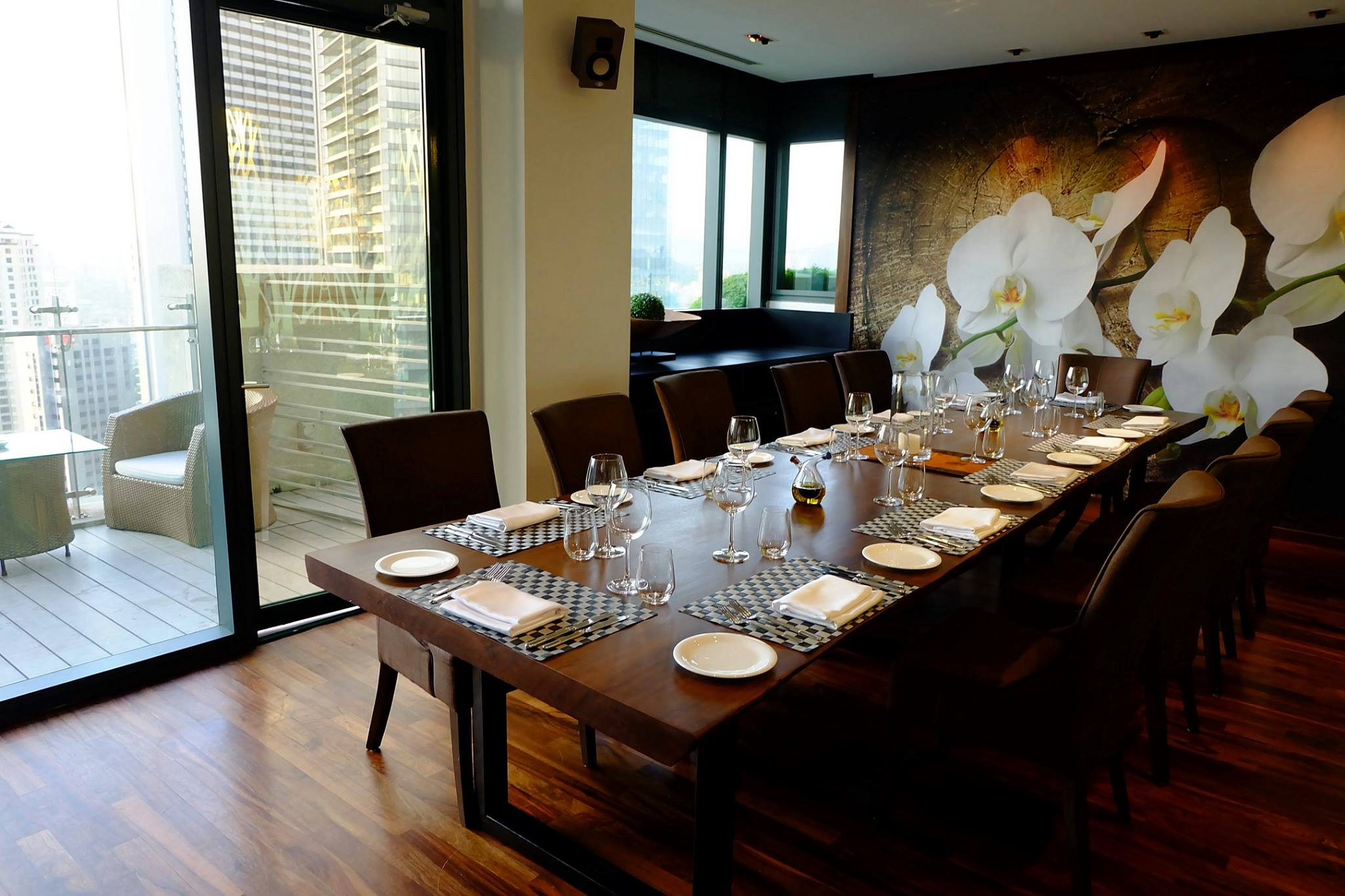 Romantic dining restaurants tanzini at g tower timchew