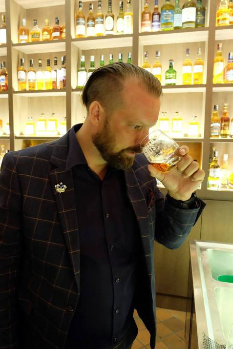 Nose the whisky to get the aromas