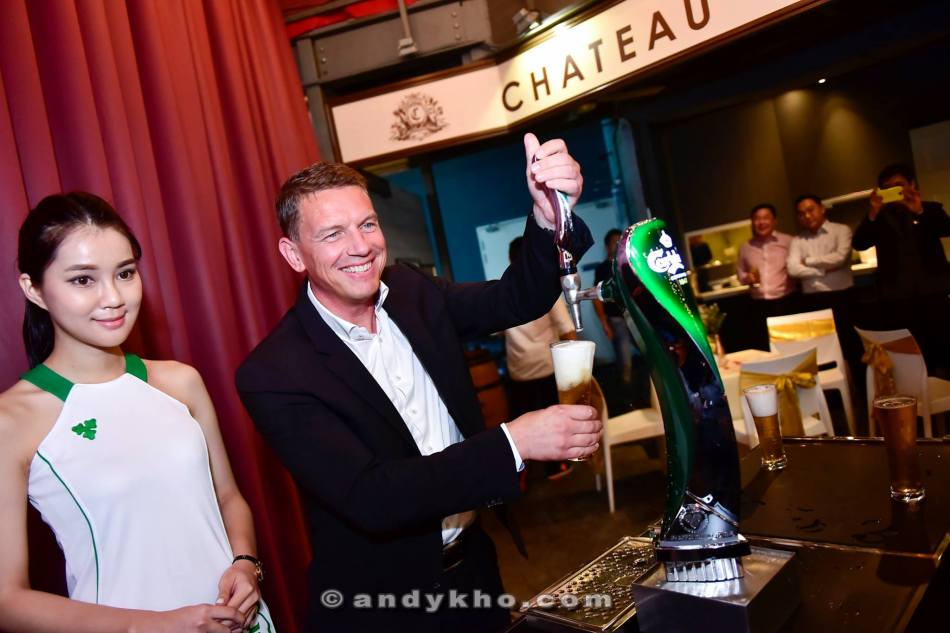 Lars Lehmann pouring an ice-cold pint of Carlsberg draught