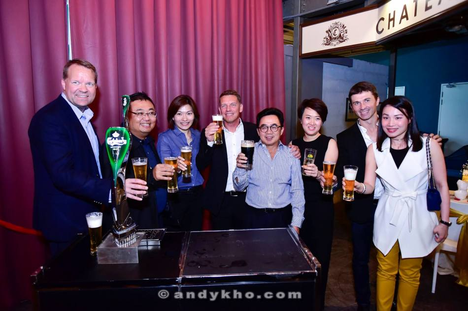 Lars and Henrik with the Carlsberg Malaysia management team