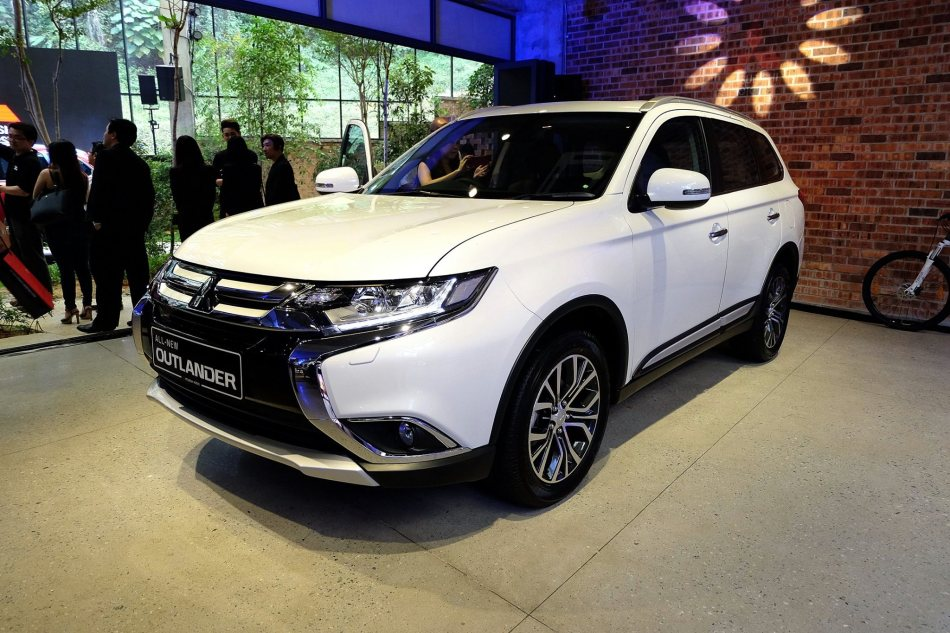Mitsubishi Outlander Malaysia (12)