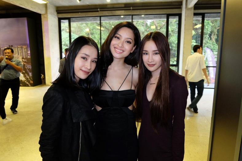 Sarah with pretty twins