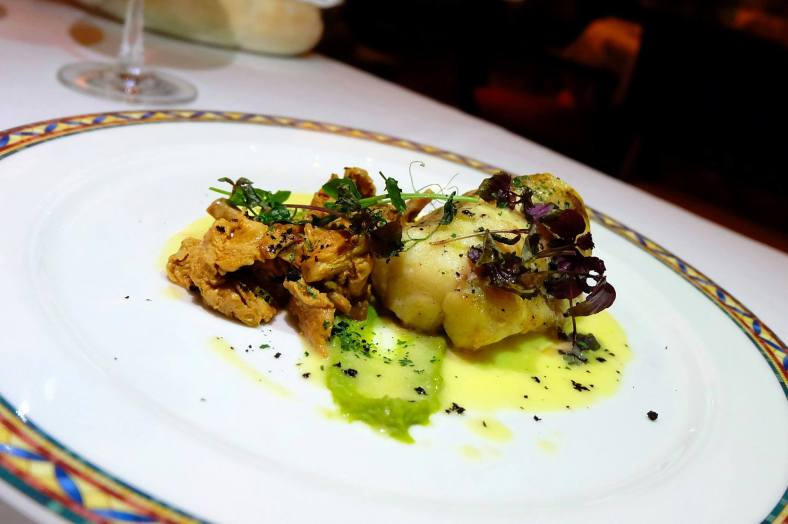 Coda di rospo Pan fried Monk fish fillet with green peas puree, sauté chanterelle, dill lemon sauce - RM115.00