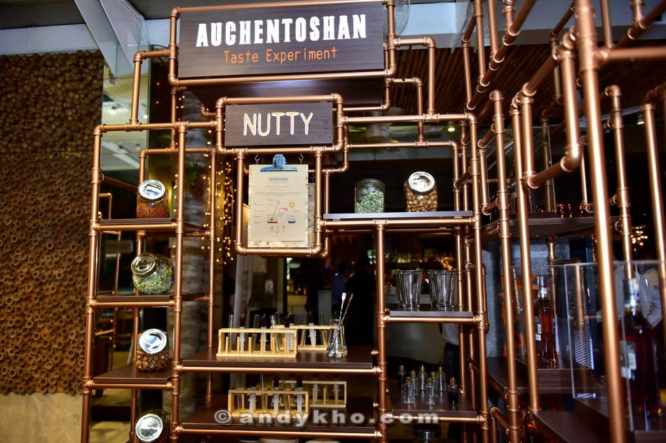 The pop up bar was the focal point of the night with many guests trying their hands at making their own Auchentoshan cocktail!