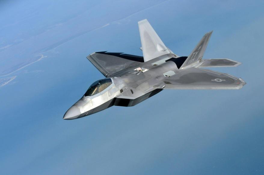 F-22-Raptor-aar
