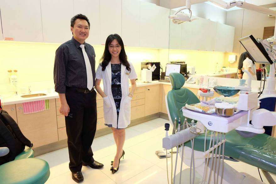 With my pretty and capable dentist Dr. Caryn Fung. She is a dental surgeon and is a member of American Academy of Cosmetic Dentistry (USA) with a Certificate of Aesthetic Continuum from UCLA.