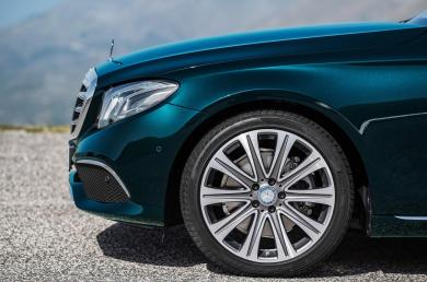 Mercedes Benz E Class Exclusive (4)