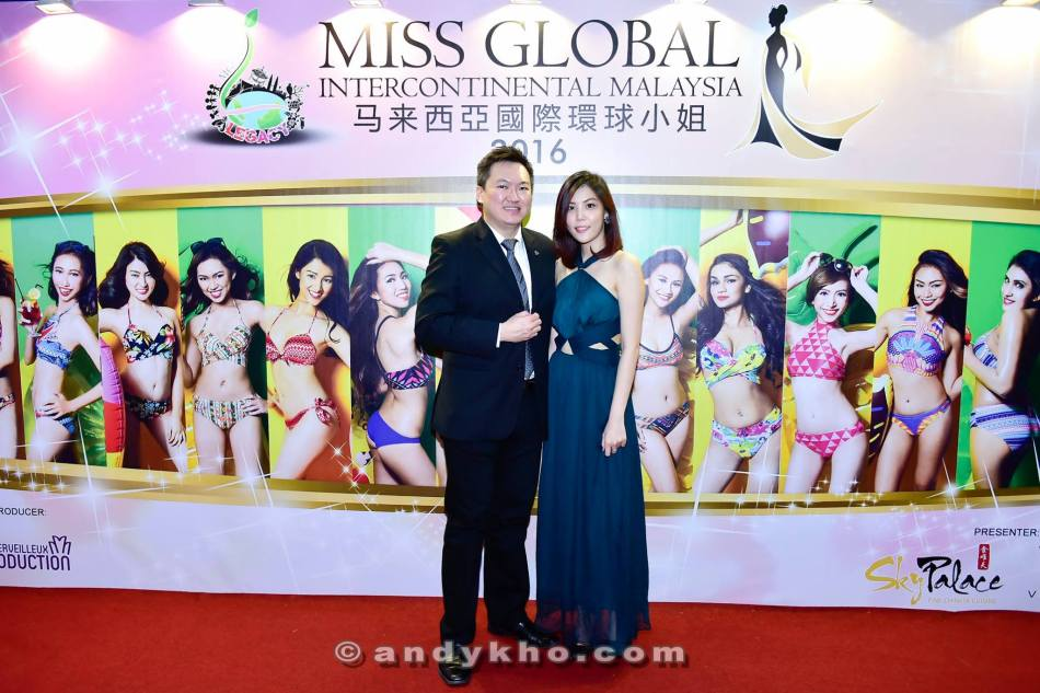 With pretty doctor Jing Xian at the photowall