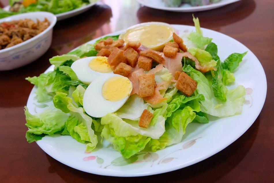 Smoked Salmon Caesar Salad -RM16.00