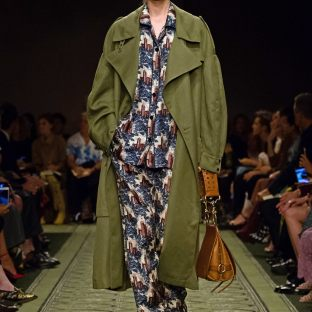 burberry-september-2016-collection-show-21